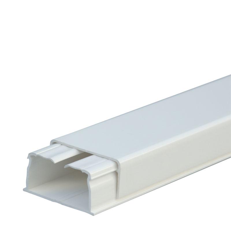 Мини-плинтус DLPlus 40x20 - 1 секция - длина 2,10 м - белый 030027 Legrand