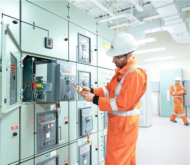 Привод моторный для дистанционного управления Motor operator S3 to S5 120VAC/125VDC 1SDA013875R1 ABB