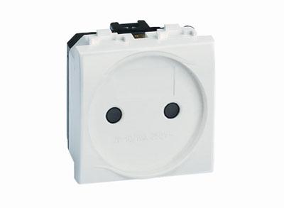 Электрическая розетка, без заземления, со шторками, черная, 2 мод. Brava DKC 77483N DKC
