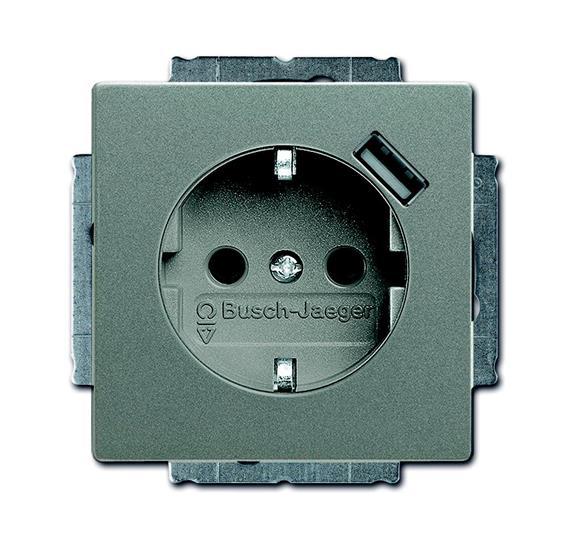 Розетка Schuko с устройством зарядным USB, 20 EUCBUSB-803-500, Solo серый металлик(метеор), 16А, 700 мА, электронная защита от перегрузки и КЗ, безвинтовые клеммы, защитные шторки, 2011-0-6180 ABB